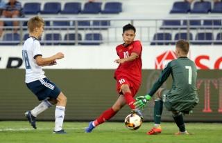 Khai mạc giải bóng đá U.15 quốc tế: Việt Nam bất ngờ quật ngã gấu Nga