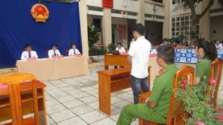 Tổ chức phiên toà giả định tuyên truyền về tác hại của ma tuý