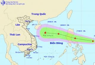 Áp thấp nhiệt đới gần Biển Đông có khả năng mạnh thêm thành bão