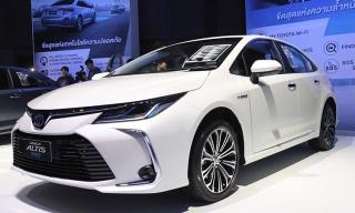 Toyota Altis thế hệ mới giá từ 27.000 USD