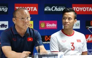 HLV Park bức xúc với phóng viên Thái Lan