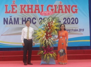 Bí thư Tỉnh uỷ dự khai giảng tại Trường THPT chuyên Hoàng Lê Kha