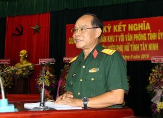 Lễ ký kết nghĩa giữa Sư đoàn BB5, Văn phòng Tỉnh uỷ và Hội LHPN tỉnh