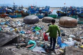 Nhựa phế thải nhập tăng 200%, Việt Nam có nguy cơ thành bãi rác thế giới