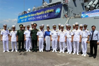 Tàu Hải quân Hàn Quốc thăm thành phố biển Đà Nẵng