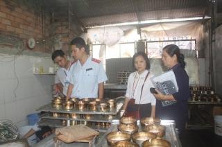 Sở NN&PTNT ra quân kiểm tra an toàn thực phẩm dịp Tết Trung Thu