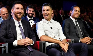 Messi sẽ nhận lời mời ăn tối của Ronaldo