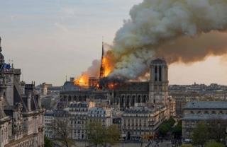 Paris nhiễm độc chì nghiêm trọng sau vụ cháy Nhà thờ Đức Bà