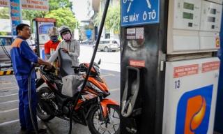 Giá xăng dầu giảm từ chiều nay