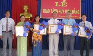 Tân Biên: Trao huy hiệu Đảng đợt 2.9.2019