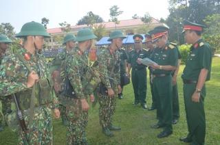 Bộ Tư lệnh Binh chủng Thông tin liên lạc kiểm tra tại Sư đoàn 5
