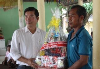Chúc tết Sen dolta đồng bào Khmer ở Biên Giới
