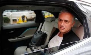 Peter Kenyon: 'Man Utd sai lầm khi sa thải Mourinho'