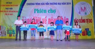 Khai mạc phiên chợ hàng Việt về nông thôn tại Tân Biên