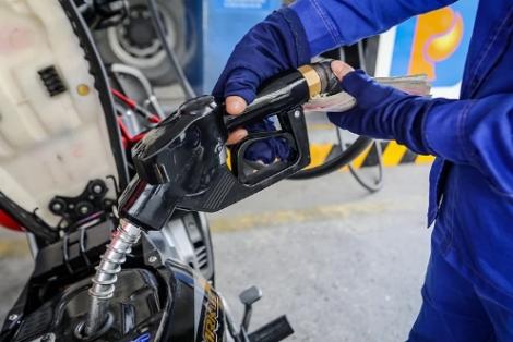 Giá xăng trước áp lực tăng 'sốc'