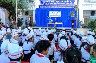 """Thị trấn Dương Minh Châu triển khai mô hình """"Em học làm đồ tái chế"""""""