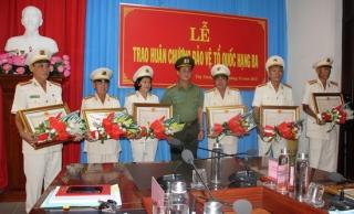 CATN: Trao huân chương Bảo vệ Tổ quốc cho lãnh đạo, chỉ huy có quá trình cống hiến