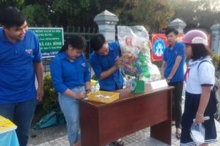 Gia Bình: Đổi rác thải nhựa lấy sản phẩm thân thiện môi trường