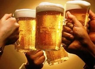 Luật rượu bia khó triển khai do thói quen uống của người Việt