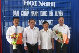 Điều động và bổ nhiệm cán bộ tại huyện Tân Biên