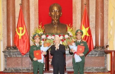 Trao quyết định thăng quân hàm hai Phó chủ nhiệm Tổng cục Chính trị