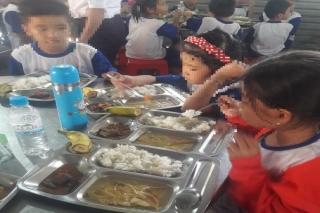 Châu Thành: Phụ huynh tố trường học cắt xén khẩu phần ăn của học sinh