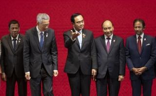 Hội nghị ASEAN xoay quanh căng thẳng Biển Đông và hiệp định RCEP