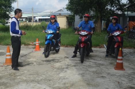 Tập huấn kỹ năng lái xe an toàn cho đoàn viên thanh niên
