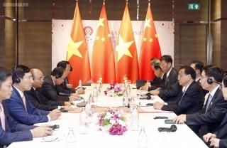 Thủ tướng Nguyễn Xuân Phúc gặp Thủ tướng Trung Quốc