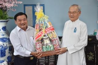 UB.MTTQ Việt Nam tỉnh chúc mừng kỷ niệm 95 năm Đại lễ khai đạo Cao Đài