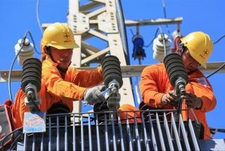 Cần luật hóa điều chỉnh giá điện