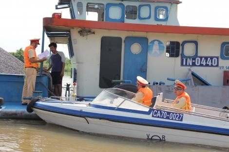 Bảo đảm ATGT đường thủy nội địa mùa mưa bão
