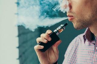Vitamin E trong thuốc lá điện tử gây ung thư phổi