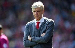 'Giáo sư' Wenger xác nhận đàm phán ký Bayern Munich