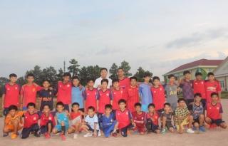 Tạo sân chơi bóng đá bổ ích