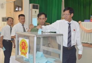 HĐND Hoà Thành tổ chức kỳ họp bất thường, bầu Chủ tịch UBND huyện