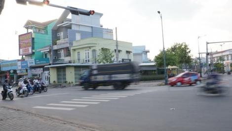 Ngã ba Lý Dậu: Tiềm ẩn nguy cơ tai nạn giao thông vì ô tô tải