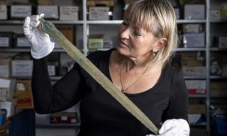 Phát hiện thanh kiếm 3.000 năm tuổi