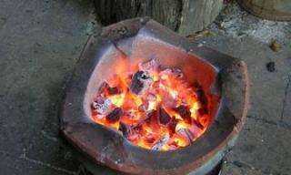 Cẩn trọng khi đốt than sưởi ấm mùa lạnh
