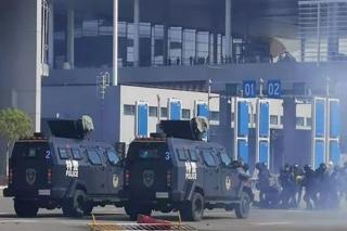 Cảnh sát vũ trang TQ diễn tập lớn chuẩn bị kỷ niệm trao trả Macau