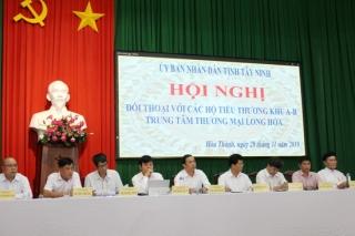 Lãnh đạo tỉnh đối thoại với tiểu thương khu A-B Trung tâm thương mại Long Hoa