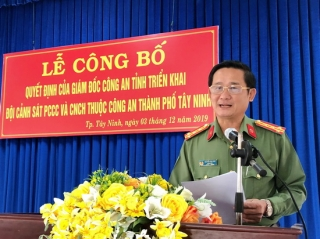 Công bố Quyết định triển khai Đội Cảnh sát PCCC&CNCH Công an các huyện, thành phố