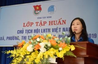 Khai giảng lớp tập huấn cán bộ Hội LHTN Việt Nam toàn tỉnh
