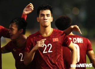 Xuất sắc loại U22 Thái Lan, U22 Việt Nam vào bán kết SEA Games 30