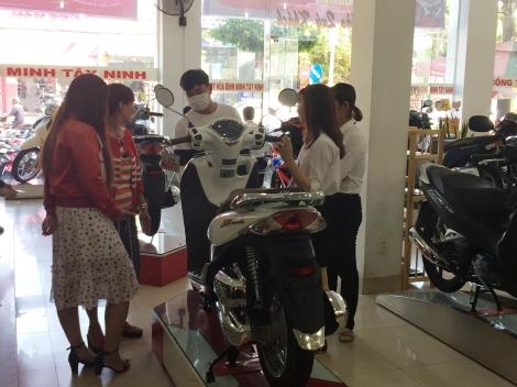 Sôi động thị trường xe gắn máy cuối năm