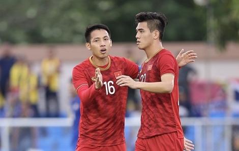 Cựu hậu vệ Thái Lan: 'Việt Nam mạnh vì có cầu thủ trên 22 tuổi'