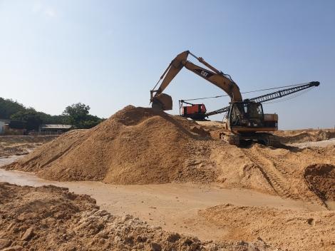 Hai doanh nghiệp khai thác cát được cấp phép hoạt động lại