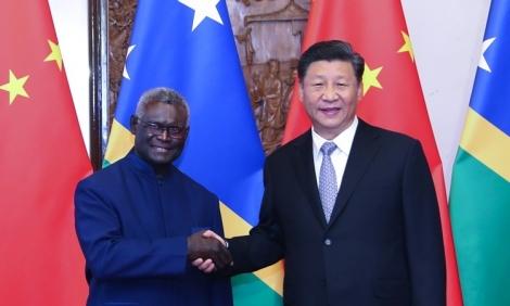 Nghị sĩ Solomon cáo buộc Trung, Đài chạy đua hối lộ