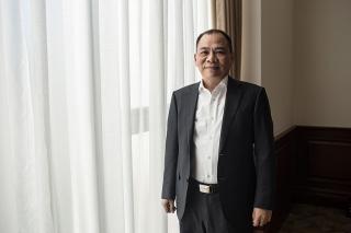 Canh bạc 2 tỷ USD của người giàu nhất Việt Nam