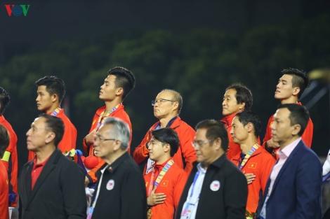 Khoảnh khắc U22 Việt Nam nhận HCV lịch sử ở SEA Games 30